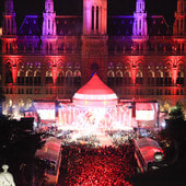 """Textildruckpartner des Life Ball""-Weekend Magazin"